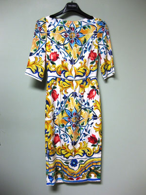 304e5bddf6a Dolce   Gabbana AUTH NEW Blue Yellow Red Maiolica Tile Print Sheath ...
